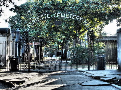 Lafayette Cemetery tours
